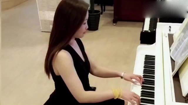 钢琴简谱入门虫儿飞