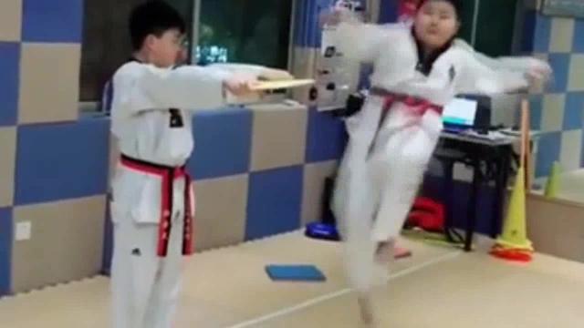 """六一运动健儿之跆拳道:教会孩子""""受挫""""和坚持"""