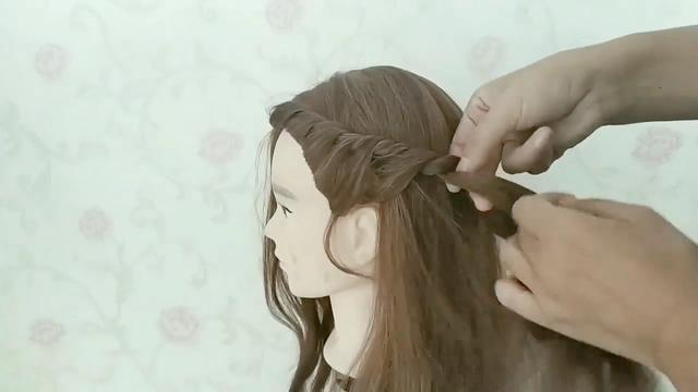 女生扎头发简单又好看 杨幂同款半扎披发学起来 - 发型站