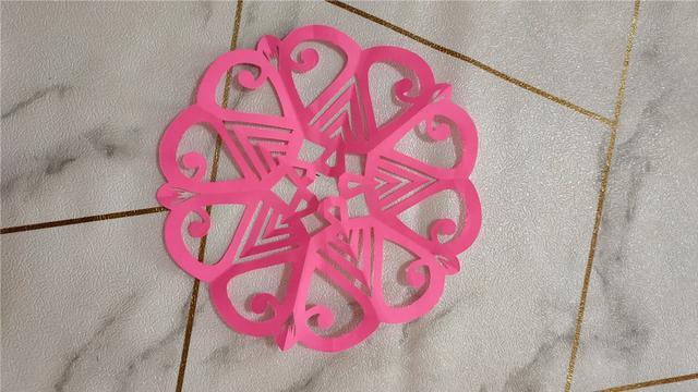 五折团花剪纸图案步骤