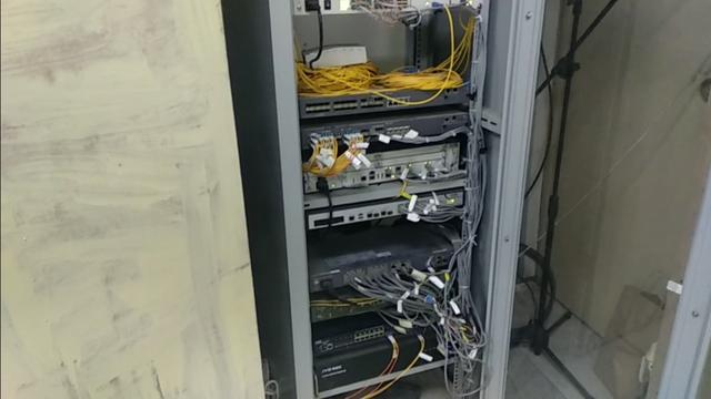 弱电柜网络交换机