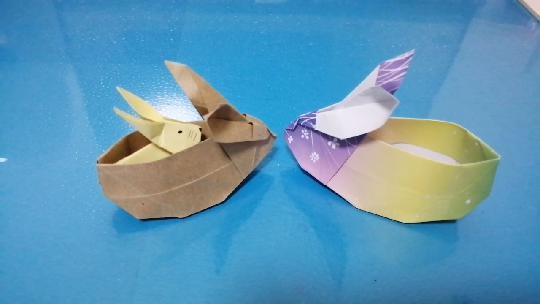 折纸教程:可爱的小兔子收纳盒