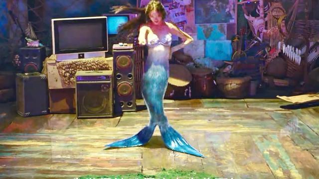 美人鱼:欣赏美人鱼绝世舞蹈!尾巴成腿,画面美如画!
