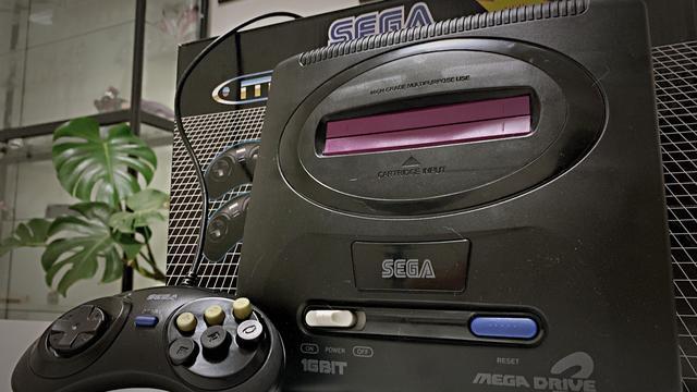 世嘉原装游戏机