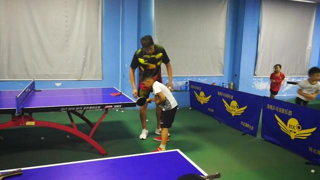 打乒乓球的基本姿势 打乒乓球有哪些基本姿势_空间日志