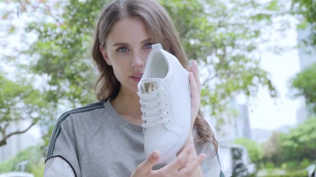 女士内增高休闲皮鞋?