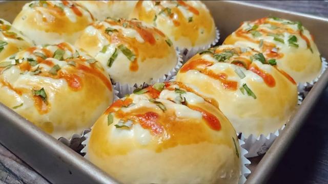 葱花面包,外酥内软,免揉膜,香酥好吃的关键是表皮刷液的配料。