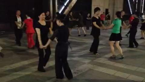 马王水兵舞第二套 表演 团队版_99广场舞 ☞ 人人都是舞蹈家