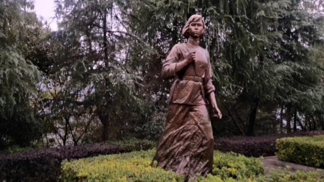 我们是知道毛泽建烈士是毛主席堂妹,却少有人知毛泽建的丈夫陈芬