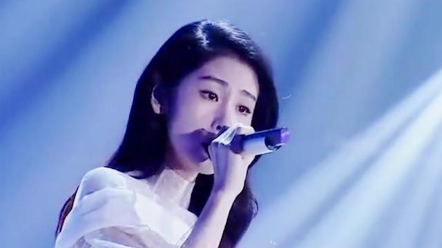 张碧晨翻唱经典歌曲《一直很安静》,她一开口我眼泪就下来了