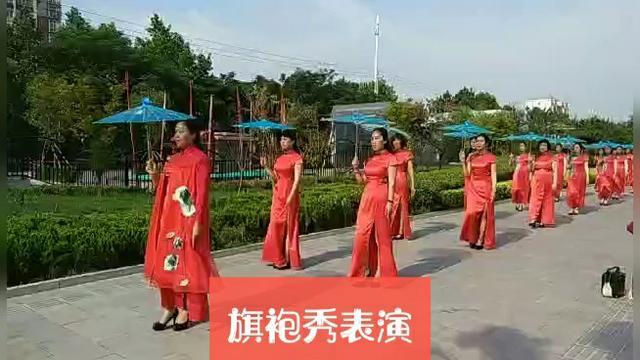摄影:《中老年旗袍秀》