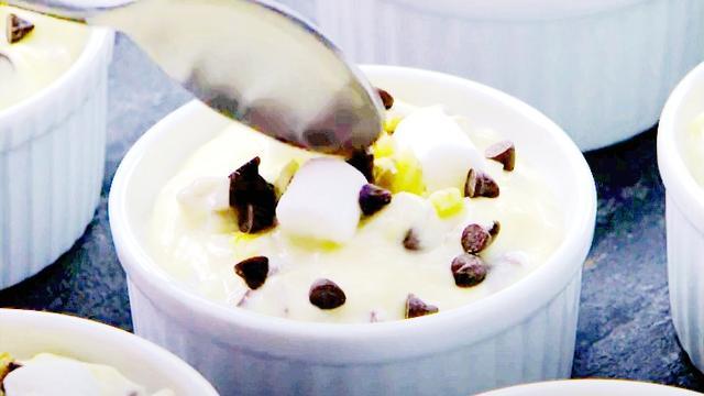 牛奶布丁图片