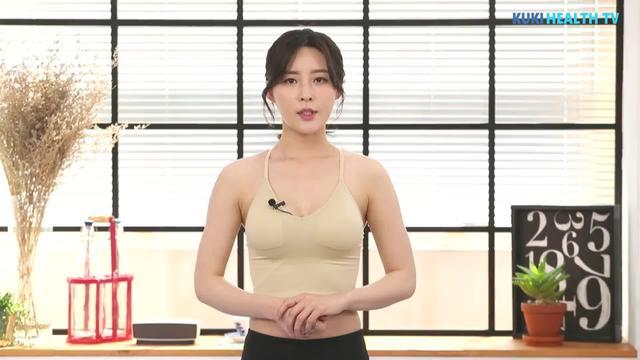 美国女子网晒性感瑜伽照爆红 性感姿势迷... -中国青年网 触屏版