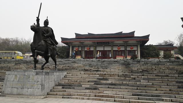 楚王墓穴在徐州被发掘,专家用5年未找到入口?村民... _网易视频