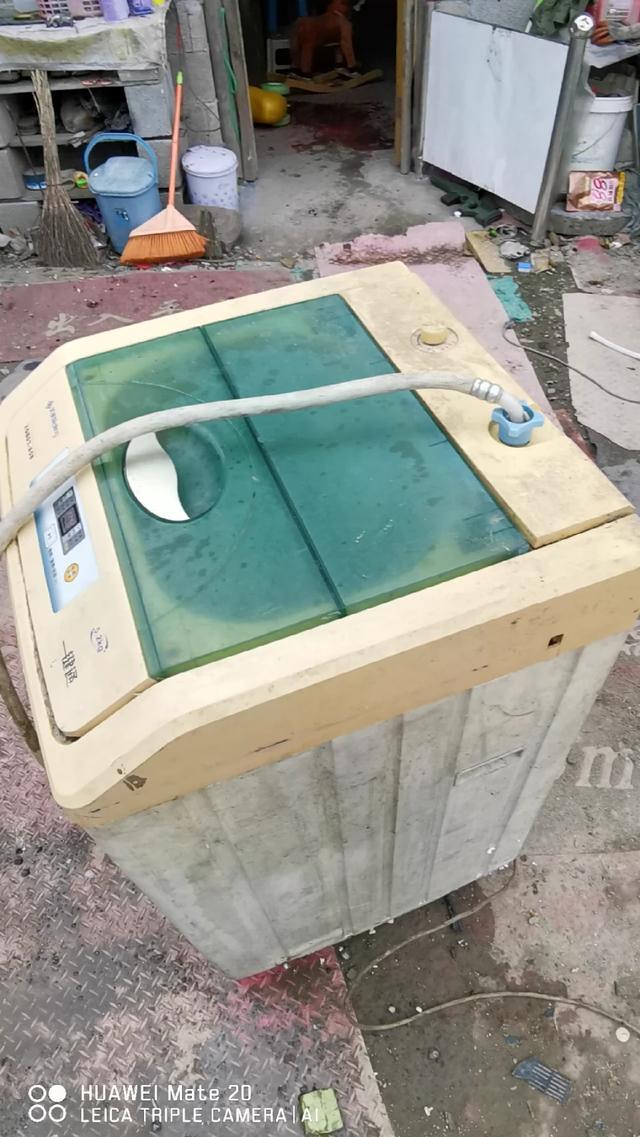 洗衣机排水阀拆卸图解