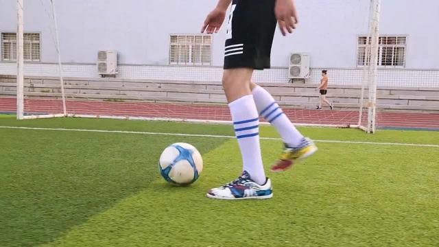 创意鸳鸯战靴!PUMA 2014世界杯配色球鞋