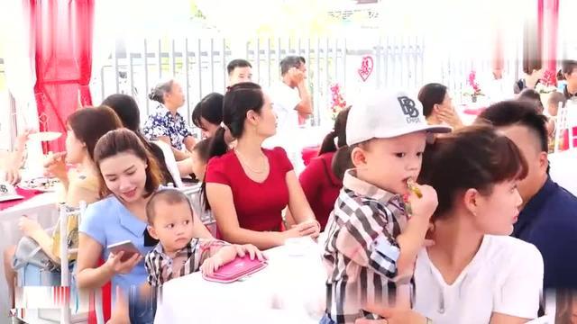 越南歌手婚礼上演唱罗大佑《你的样子》, 越南语版... _网易视频
