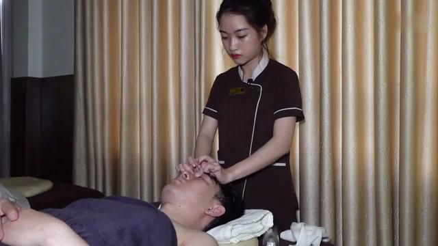 女子精油spa,保养过后皮肤细腻白皙,发现更好的自己