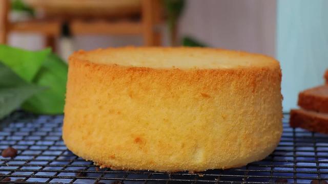 零基礎學做戚風蛋糕 口感超松軟 高度完美 烘焙新手也能輕松駕馭