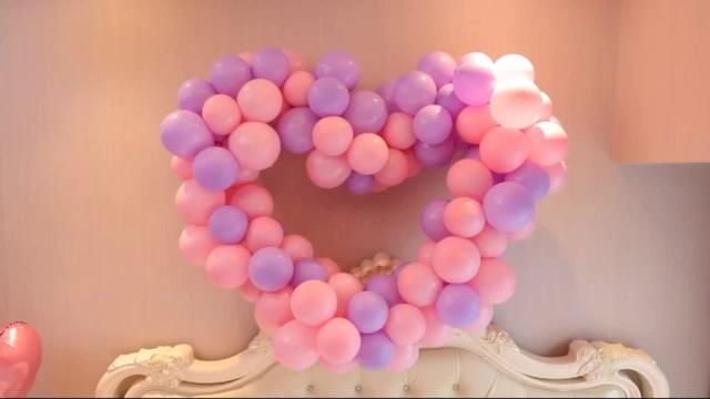 新郎婚房房间布置气球