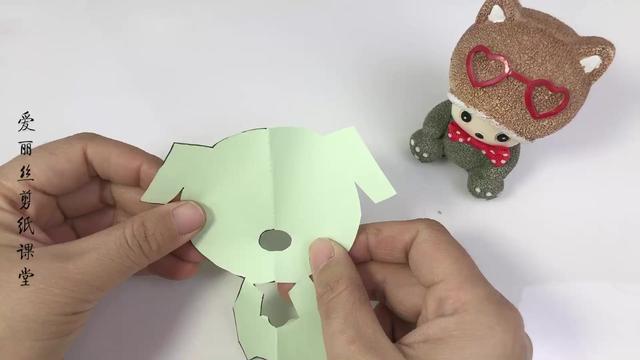 儿童简单手工剪纸画的制作方法教程 - 纸艺网手机版
