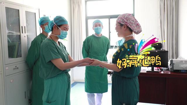 致这一顶白色的燕尾帽--5.12护士节授帽篇