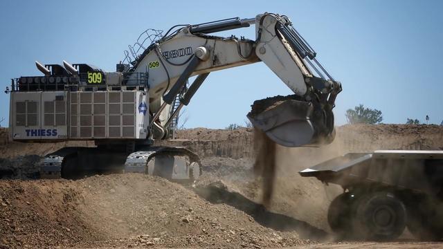 世界上最大的液压挖掘机利勃海尔R 9800 u4000HP