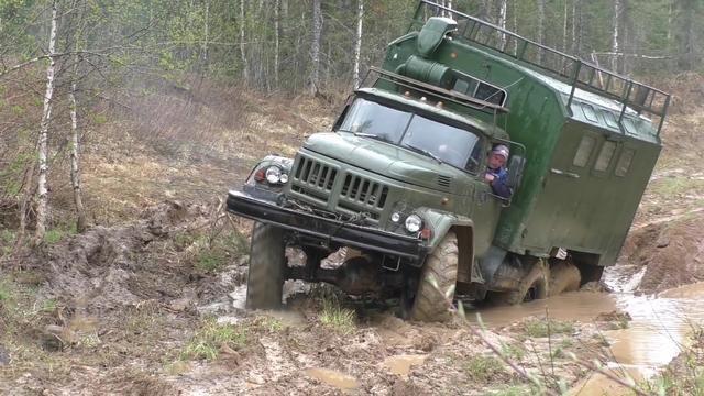乌拉尔双排越野卡车
