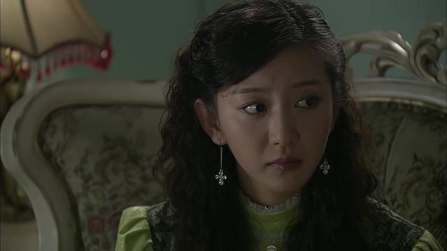 秋霜:大小姐留宿男朋友,不料半夜突然害喜,还要瞒着男友!