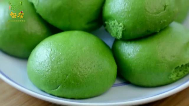 菠菜馒头学会这样做,做出的馒头翠绿柔软又香甜,营养不流失