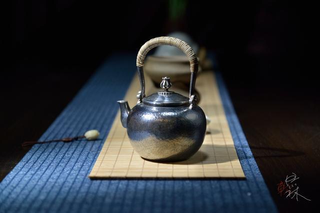 这件承载茶的小茶具,竟然这么美!