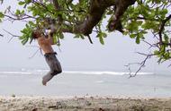 荒野求生贝尔去海边的第几部第几集
