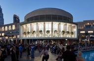 迪拜最大苹果店今日开业 面对喷泉的57米曲面阳台超炫酷!