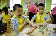 幼儿园过冬至节的小朋友们可爱瞬间,网友:想起了家里的孩