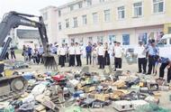 昆山市渔政监视大队现场销毁违法渔具