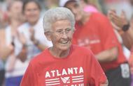 91岁美国老奶奶打破世界纪录,6分57秒56跑完800米