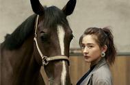 热依扎演绎骑士风大片,带着异域风情的英姿飒爽