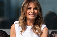 美国第一夫人出席纪念碑重开仪式,白色长裙光彩照人,座驾霸气