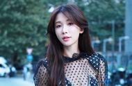 """45岁林志玲亮相米兰时装周,优雅妩媚,不愧为""""台湾第一美女"""""""