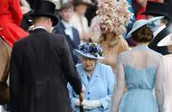 93岁英女王见到威廉,表情严肃教训孙子,凯特只能默默心疼老公