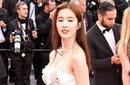 外网新出女星高清照,刘亦菲排第二,她敢称第一!美得让人窒息!
