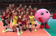 中国女排迎六连胜!3-2惊险逆转巴西队,明日关键战对阵美国队
