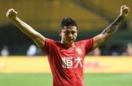 唱国歌写中文 即将对阵马尔代夫 归化球员艾克森真的融入中国了?