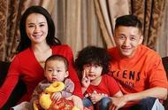 邹市明娇妻冉莹颖朋友圈发文,疑承认三胎出生,拳王终于有女儿了
