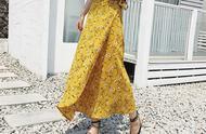 这条一片式裹裙,穿着简单还不挑身材,一分钟穿出傣味风