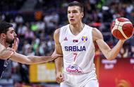 三分轰下51分!塞尔维亚险胜美国,波波维奇与科尔现罕见表情