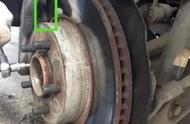 路虎来汽修厂检查,踩刹车时的异响让车主担忧安全