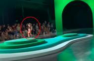 张亮4岁女儿走秀展现超模气场,网友:看到了小时候的天天