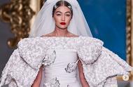 米兰时装周吉吉哈迪德披上婚纱,Moschino把毕加索画作搬上了衣服