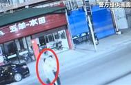 自投罗网!男子酒驾发生车祸 拦私家车却巧遇警察